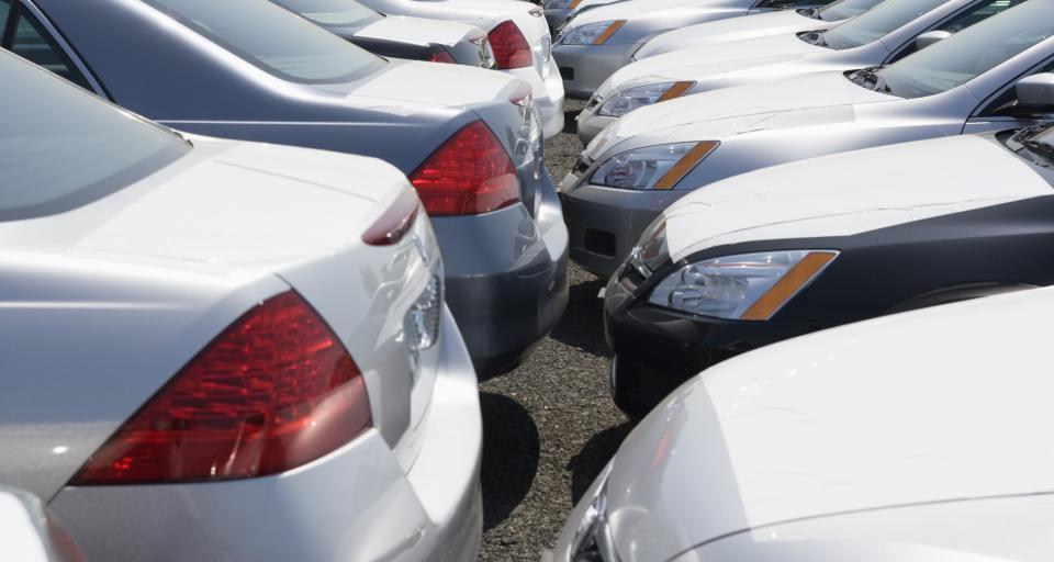 UOKiK ostrzega przed firmami sprzedającymi auta na wynajem
