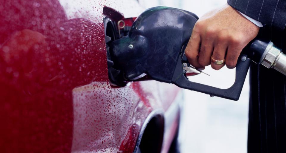 W 2020 roku opłata paliwowa będzie o 4 proc. wyższa