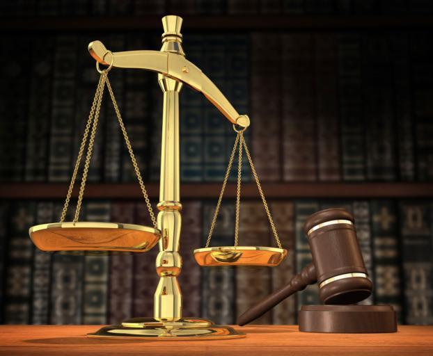 Adwokat Fertak: Stan totalnej niepewności prawa