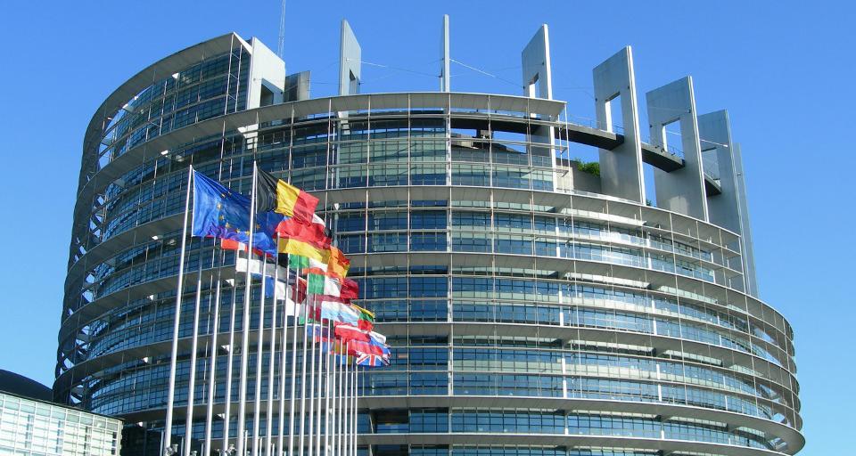 Parlament Europejski upomina się o przywrócenie praworządności w Polsce i na Węgrzech