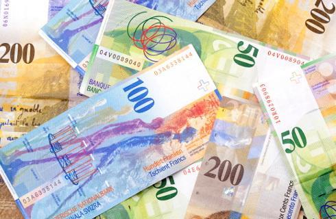 SA: Zbadać umowę, a nie ugodę frankową