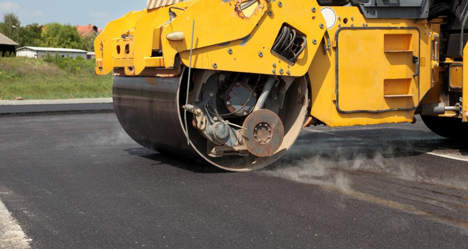 Kary dla dwóch firm za zmowę przetargową przy remontach dróg