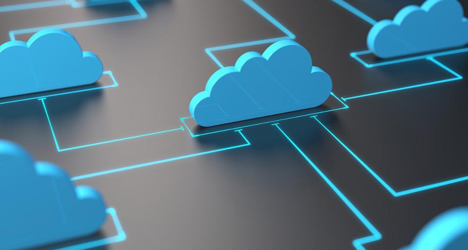 Banki przenoszą dane do chmury - KNF sugeruje krajową
