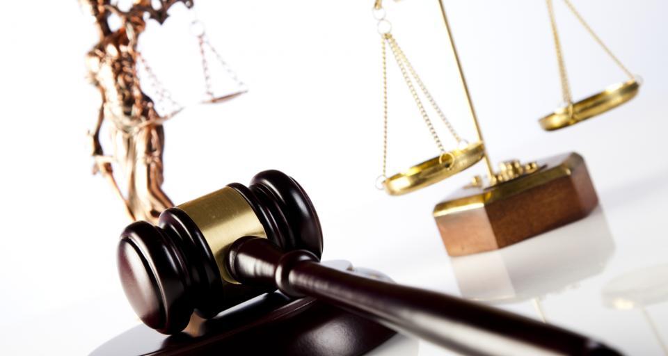 Prokuratura oceni, czy podarcie przez prezesa sądu projektu uchwały to przestępstwo