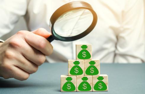 UOKiK stawia zarzuty firmom tworzącym piramidy finansowe