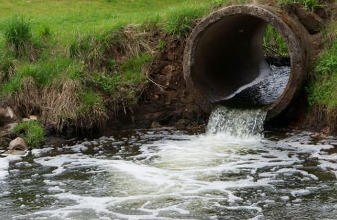 Wody Polskie nałożyły na MPWiK 10,5 mln zł opłaty za nielegalny zrzut ścieków