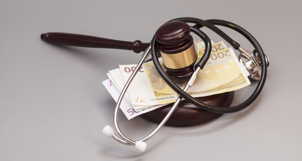 Rekordowe odszkodowanie dla pacjenta - szpital szuka pieniędzy