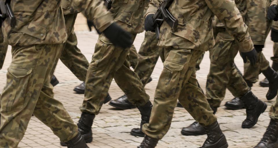 Zabawy z bronią - miliony na wsparcie klas wojskowych