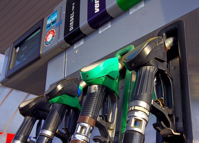 Opłata paliwowa wzrośnie, ale obniżą akcyzę