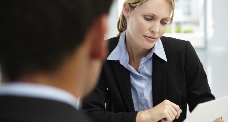 Po reorganizacji służb urzędnicy skarbowi muszą brać urlopy na załatwianie spraw pracowniczych