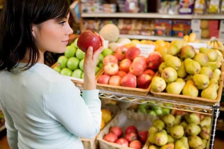 UOKiK: Sklepy nie informują rzetelnie o pochodzeniu owoców i warzyw