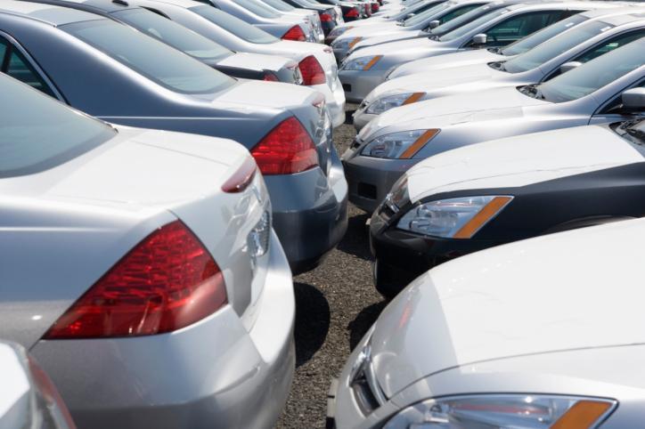 Powiaty: W przypadku epidemii bez kar za niezarejestrowanie pojazdu w terminie
