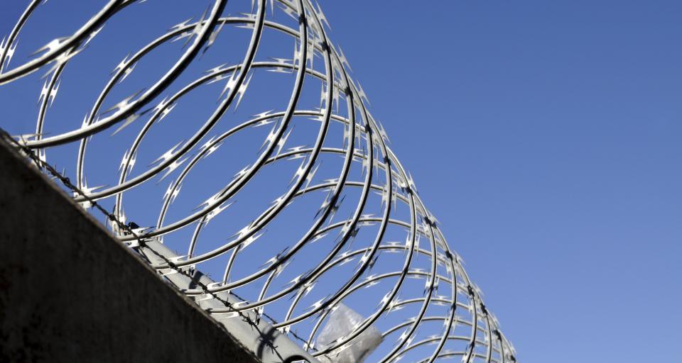 Koronawirus - zmiany w więzieniach, aresztach, problemy z karami
