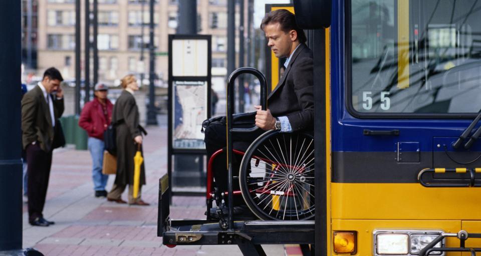 Rząd wprowadza ograniczenia w transporcie publicznym