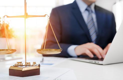 Strona online wniesie pismo procesowe, sąd tak samo doręczy