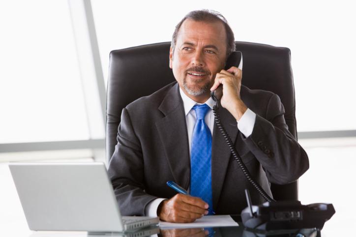 Pracodawca w kwarantannie może zarządzać firmą, jeśli nie jest na zwolnieniu