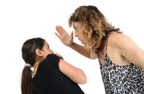 Izolacja sprzyja przemocy w rodzinie