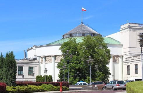 PiS złożył w Sejmie projekt zmiany Konstytucji