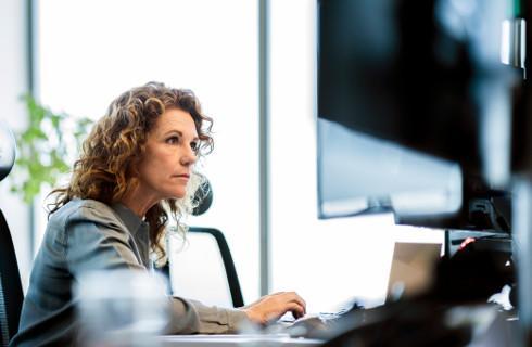 Biznes chce prawa do zawierania umów drogą elektroniczną