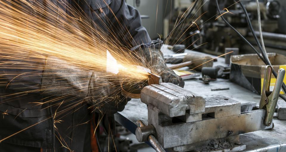 Rząd pracuje nad przepisami zabezpieczającymi polskie firmy przed wrogim przejęciem