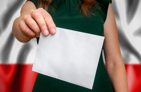 Wojewodowie żądają przekazania poczcie spisów wyborców - gminy nie widzą podstaw prawnych