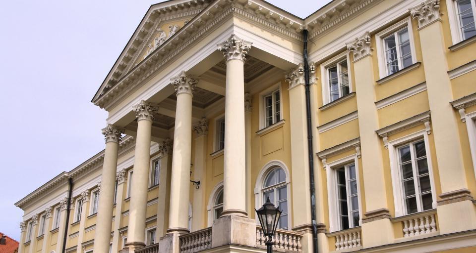 Komisja Weryfikacyjna unieważniała decyzje ratusza, a sąd na ogół unieważniał decyzje Komisji