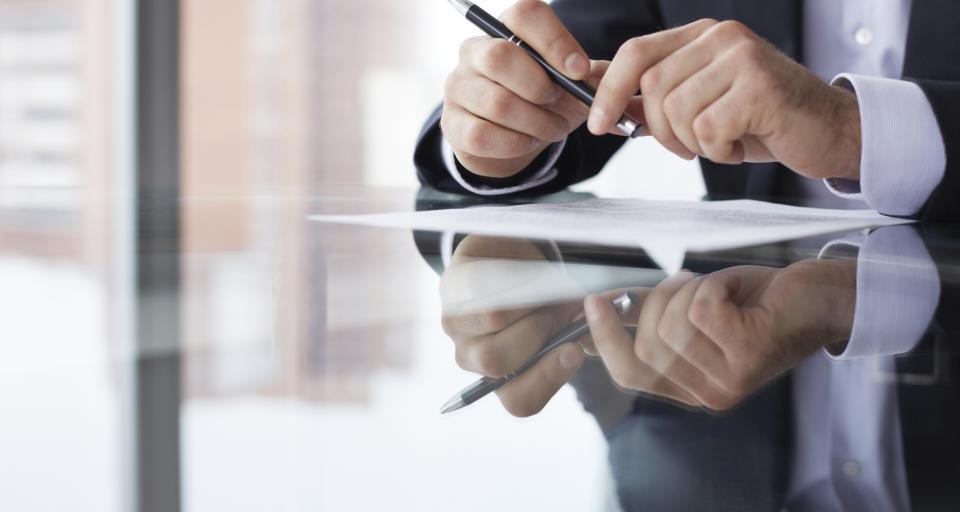 Umowa przedwstępna sprzedaży nieruchomości – na co uważać, czego unikać