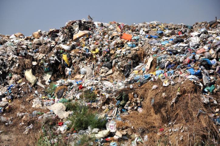 Zostaniemy z górą śmieci. Połowa firm z branży planuje zakończyć działalność