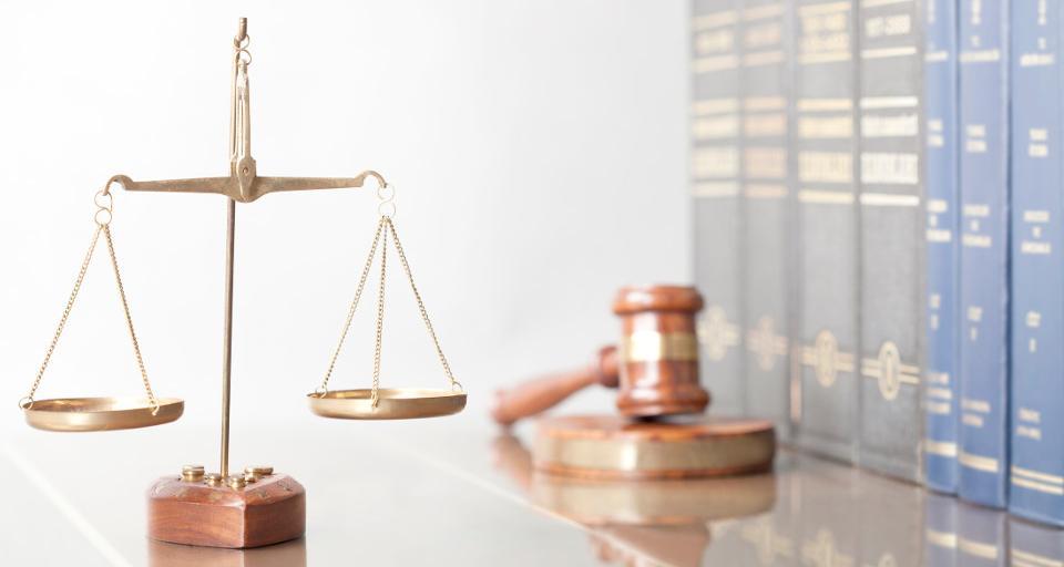 """Senat wykreślił, Sejm przywrócił - w """"tarczy 3"""" przepisy dotyczące prokuratorów i nieodpłatna pomoc prawna"""