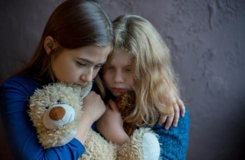"""Za przemoc """"na bruk"""" - miała być szybka pomoc dla ofiar, są duże wątpliwości"""