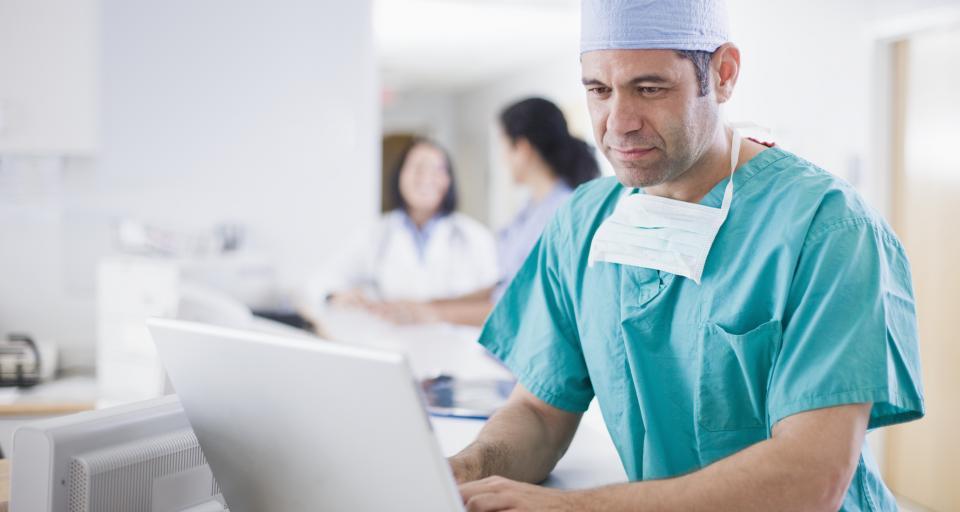 Teleporady zastępują wizyty u lekarzy, ale będą problemy z dokumentacją