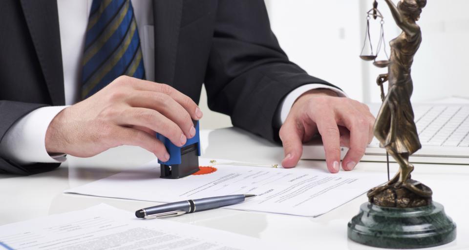 Ministerstwo wycofuje się z wzorów sądowych pouczeń