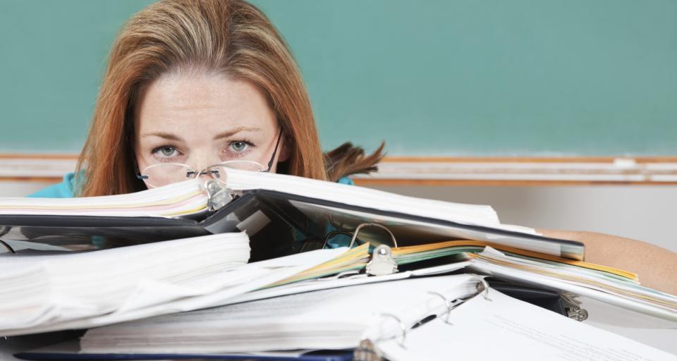 Nauczycielu, zamiast testu podpisz papier, że jesteś zdrowy