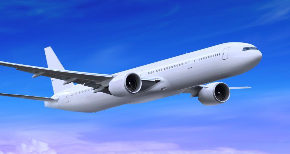 Po kraju można już latać, ale nie każdy wejdzie na lotnisko
