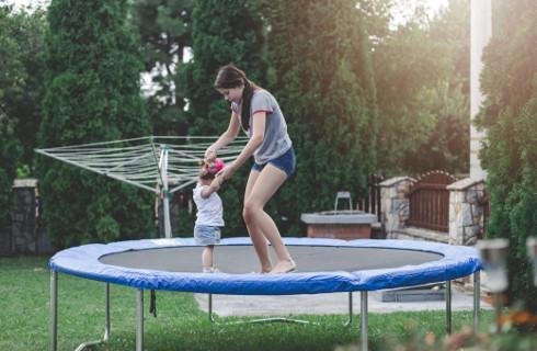 NIK: Place zabaw i małe obiekty sportowe nie są bezpieczne