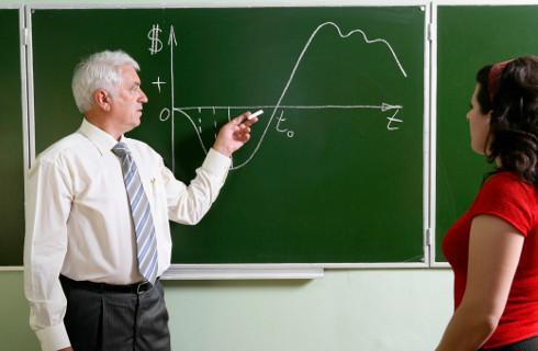 Nauczyciele o wypłaty za godziny ponadwymiarowe mogą walczyć w sądzie