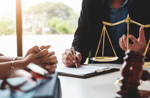 Adwokatura chce sprawdzić jak COVID-19 wpłynął na rynek