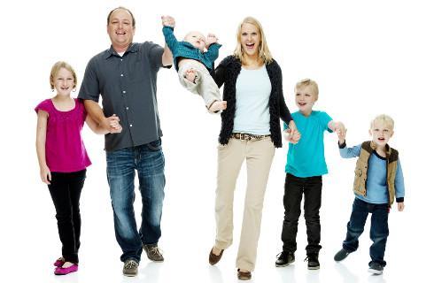 Karta dużej rodziny to zniżki dla rodzin z co najmniej trójką dzieci