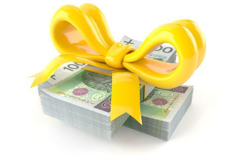 Darowizna pieniędzy w gotówce bez prawa do zwolnienia z podatku