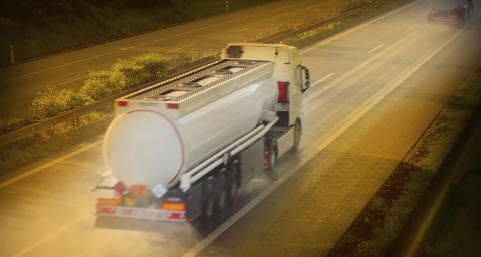 Jakie wymogi musi spełnić firma odnośnie transportu płynnych odpadów