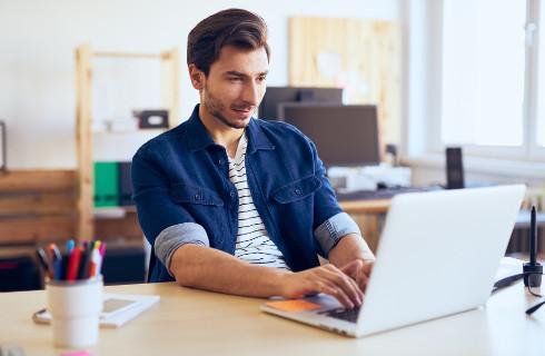 Praca zdalna - oszczędność firmy i koszty pracowników