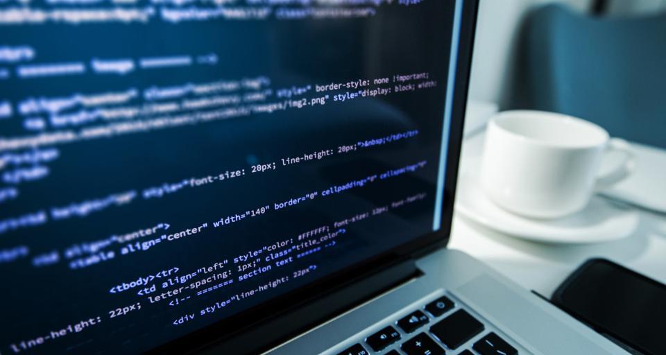 Internet kosztem kwalifikowanym programisty