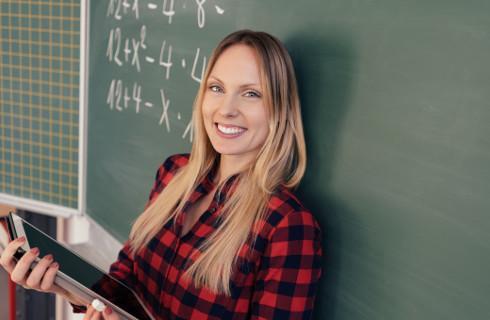Wyższa płaca za lepsze efekty - system wynagrodzeń nauczycieli do poprawki