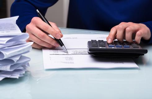 UOKiK sprawdza 51 firm podejrzanych o tworzenie zatorów płatniczych