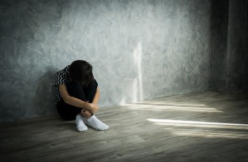 Dane o próbach samobójczych - nie ma formalnych prac nad bazą