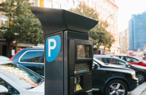 W Warszawie kara za brak opłaty za parkowanie pięciokrotnie wyższa