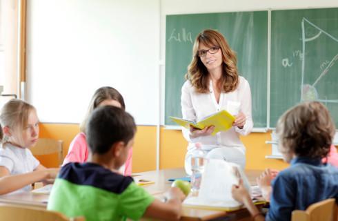 Podwyżki dla nauczycieli od 1 września. Jest projekt rozporządzenia