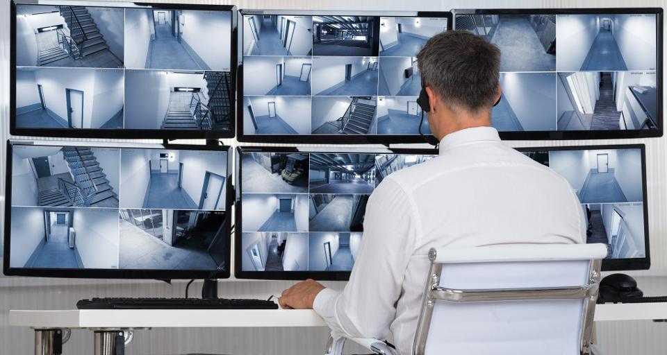 UODO: Pracodawca powinien powiadomić o monitoringu w miejscu pracy