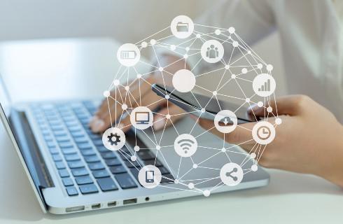 Internet coraz ważniejszy dla gospodarki - przybywa sporów o domeny