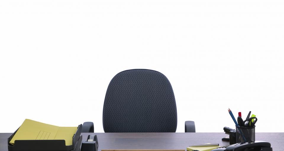 Zwolnienia w administracji zaczną się od redukcji wakatów